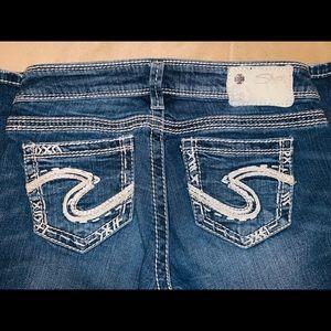 Good condition Silver brand denim jeans!